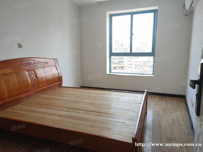 海秀东路 申鑫国际正规一房一厅 可居家或办公 随时看房 秒租